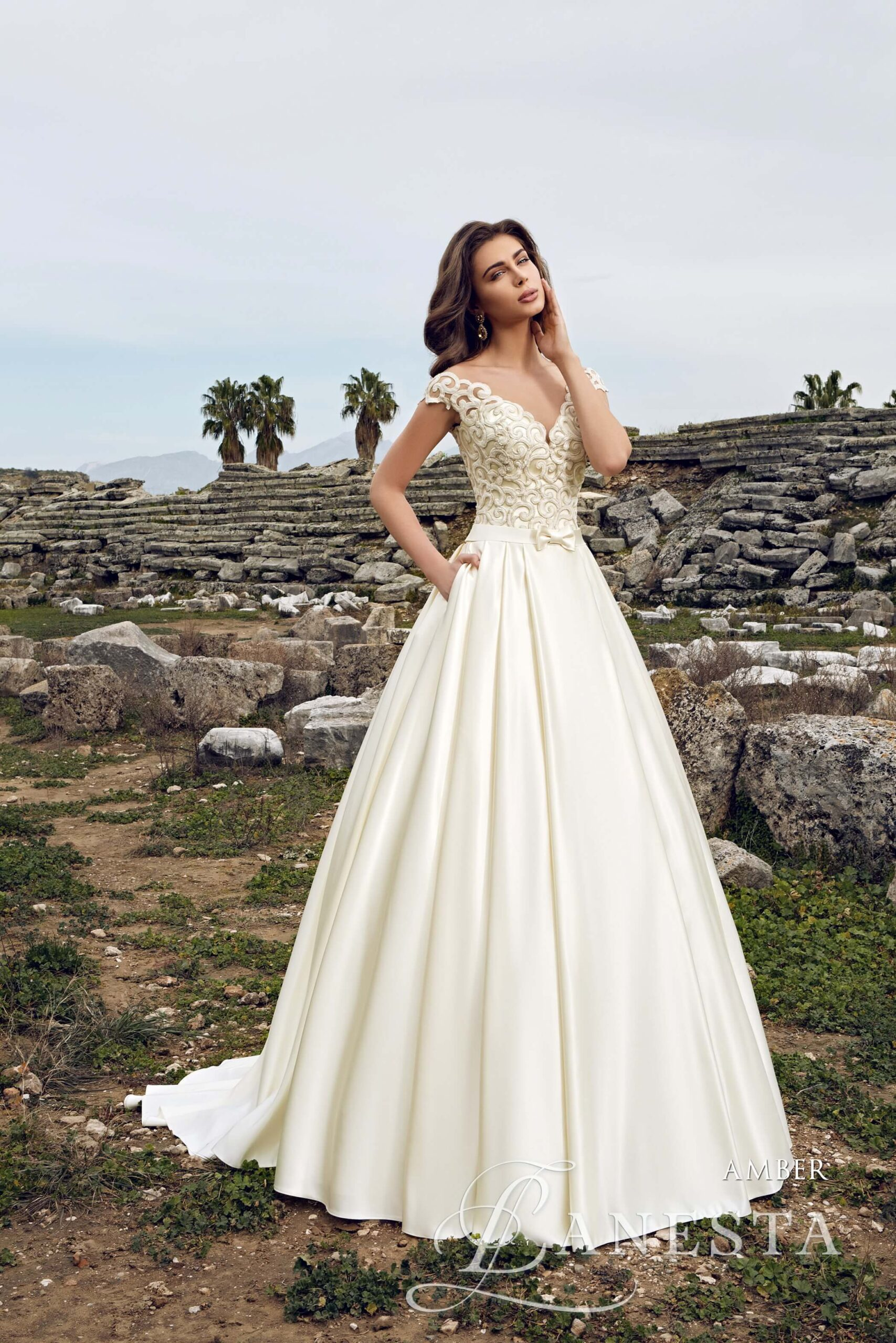Свадебное платье Amber Lanesta