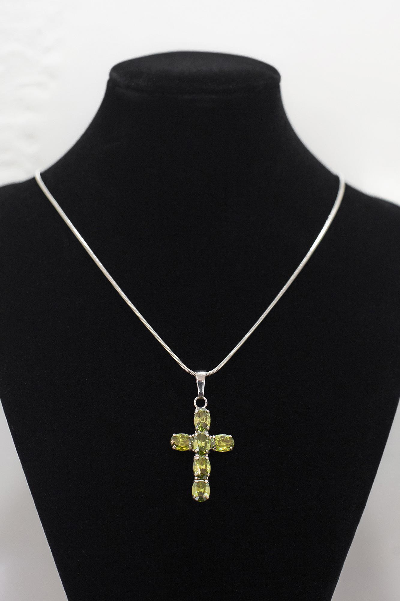 Ланцюжок з підвіскою з хрестом